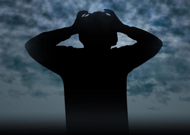「毎日深夜まで残業」という過重労働は確実に精神をむしばむ