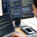 高卒でもプログラマーは目指せる?スクールと転職エージェントを併用すれば大丈夫!